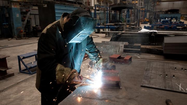 Кому платят 300 тысяч на заводе? Подборка вакансий на производствах Екатеринбурга
