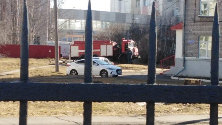 Неизвестный сообщил о минировании здания Архангельской областной больницы