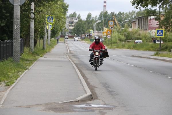 Мотоциклистов призывают соблюдать все установленные ПДД, включая экипировку для безопасности