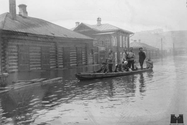 """Наводнение в Красноярске. <nobr class=""""_"""">1916 год</nobr>"""