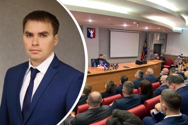 Нового главу города выбрал 31 из 32 присутствующих депутатов