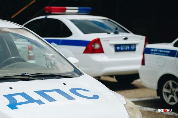 На место выехали сотрудники полиции и предложили водителю пройти медосвидетельствование