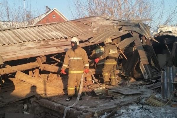 По словам представителей МЧС, дом обрушился из-за разгерметизации газового баллона