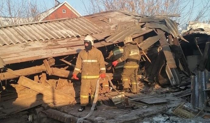 В Безенчуке жилой дом обрушился после взрыва газа
