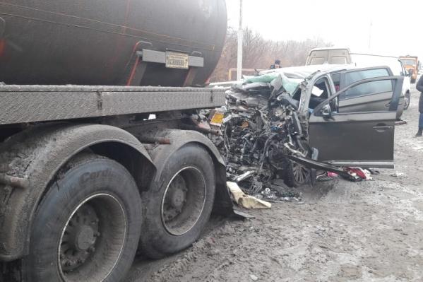 К таким печальным последствиям приводит отвлечение внимания водителя от ситуации на дороге