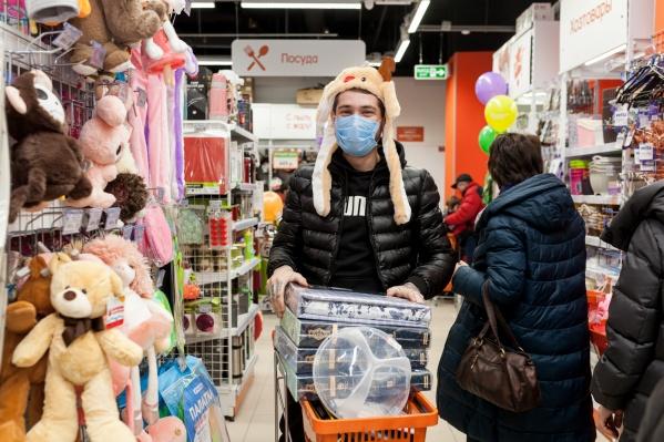 Выгодно приобрести можно будет кучу товаров для детей и взрослых