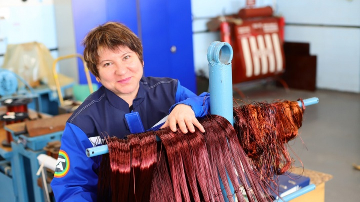 Провод тоньше волоса: как сотрудницы ТОАЗа «реанимируют» сгоревшие двигатели