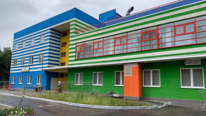 «Год не ходили в садик!»: родители пожаловались на главу департамента образования Самары