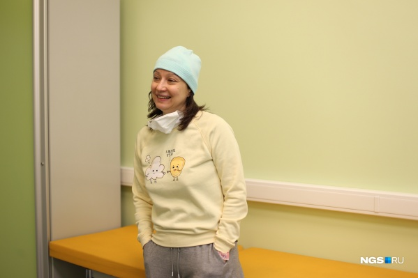 Оксане Костусенко 54 года. Она благодарна врачам за спасение