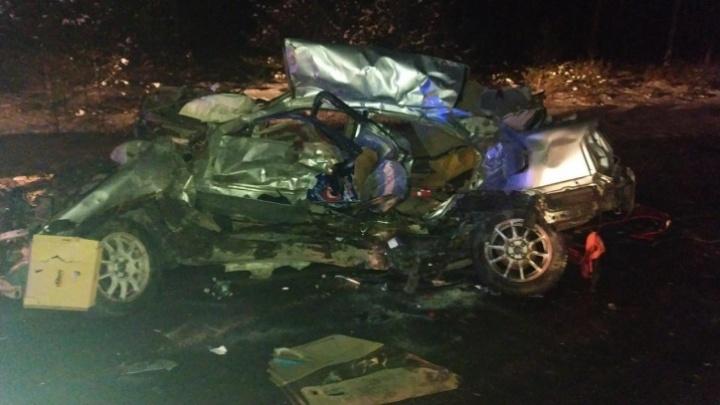 После ДТП с грузовиками на тюменской трассе скончался еще один мужчина. Ему было 23 года