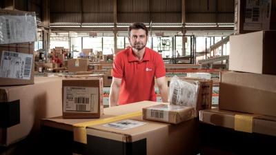 Режут цены на 20%: транспортная компания снизила стоимость доставки посылок для малого бизнеса