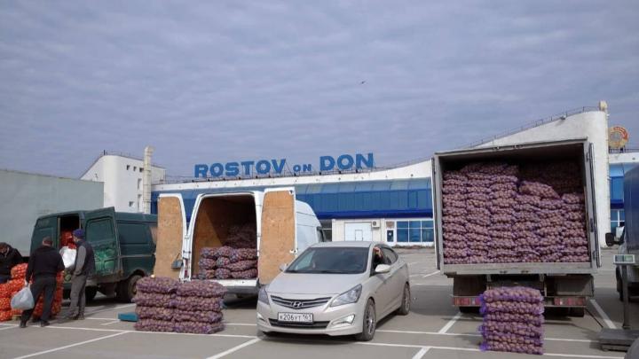 Временный рынок в старом аэропорту Ростова прирастет мусорными баками