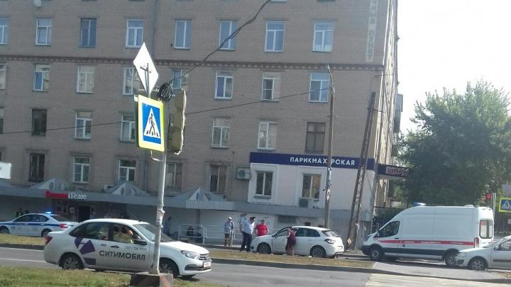 В Челябинске иномарка сбила бабушку на пешеходном переходе