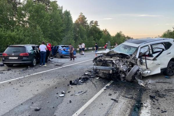 В Nissan мужчина, женщина и ребенок получили травмы