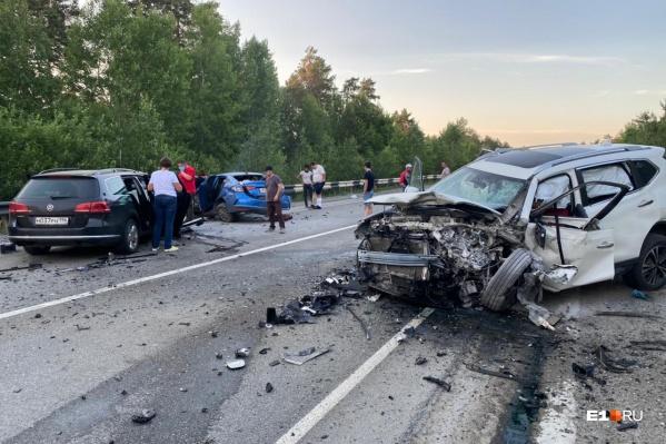 Все машины серьезно пострадали