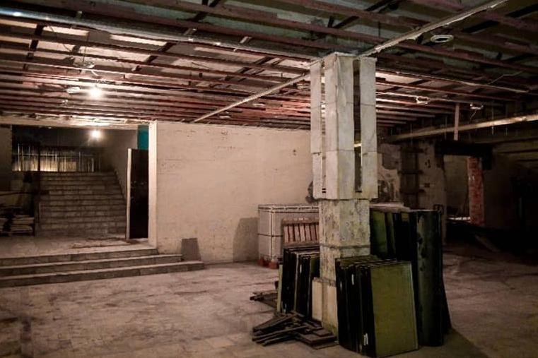 Не узнаёте? Так выглядит сейчас вестибюль в самом Дворце молодежи
