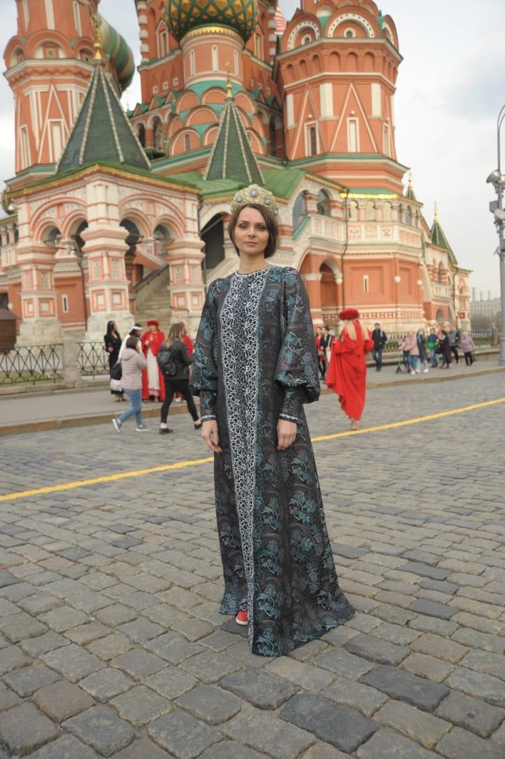 Демонстрация русских народных костюмов на Красной площади