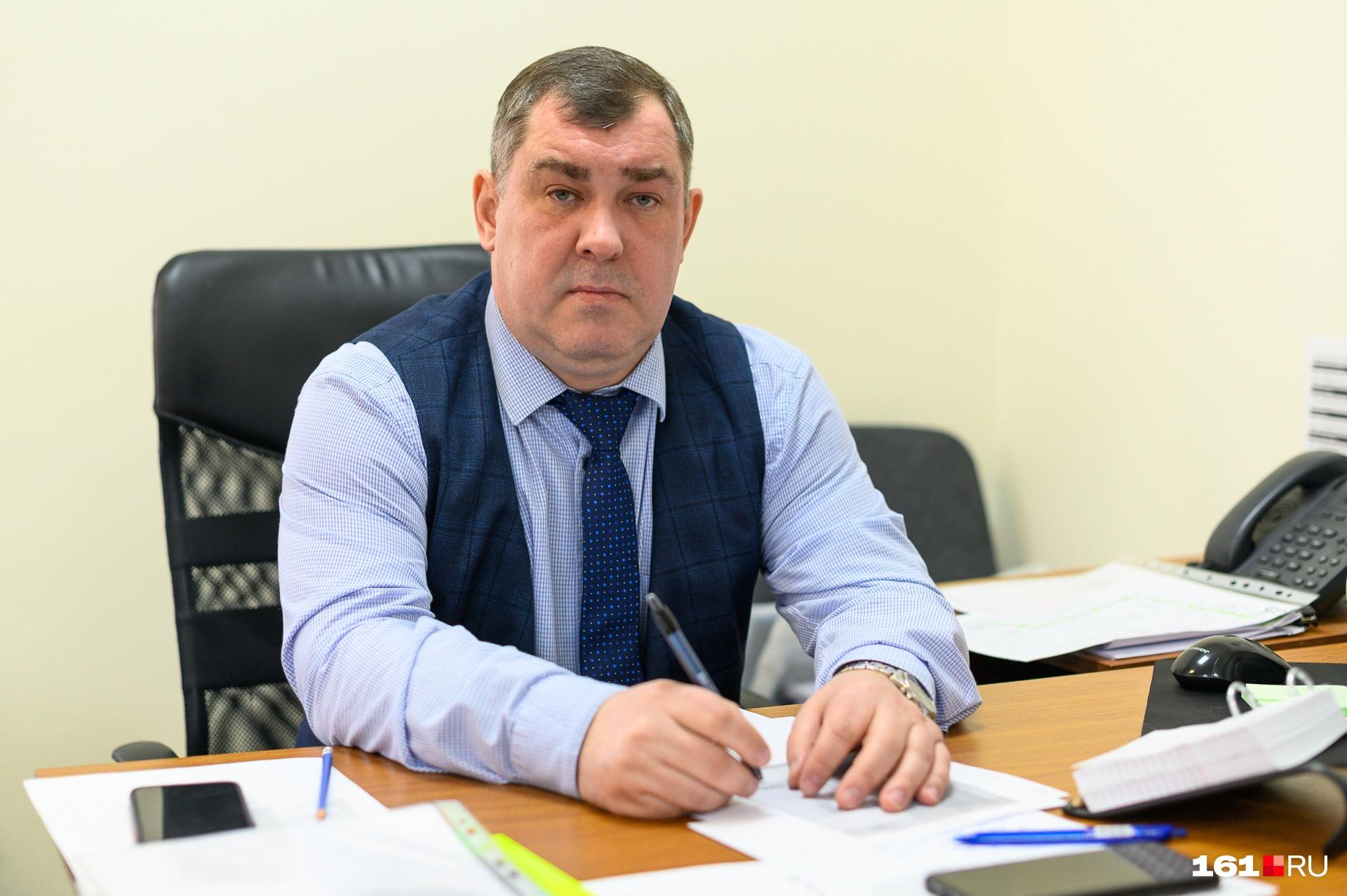 По словам Дмитрия Леоненкова, дежурный полицейский или росгвардеец могли бы улучшить ситуацию