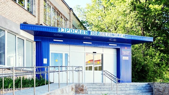 В Челябинской области терапевт отказала в больничном пациентке с ковидом. Женщина записала разговор с врачом