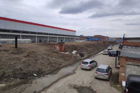 Владельцы подземного овощехранилища на Затулинке получили иск от мэрии на 1,5 миллиона рублей