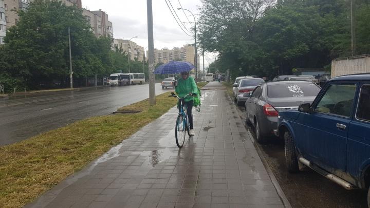 На Кубани объявили экстренное предупреждение из-за ливней с грозой