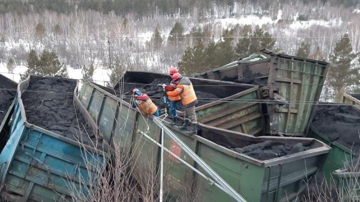 Отмена электричек и задержка поездов: сход вагонов в Челябинской области вылился в уголовное дело