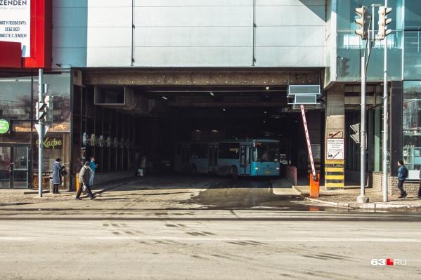 75-й автобус курсировал от автостанции «Аврора»