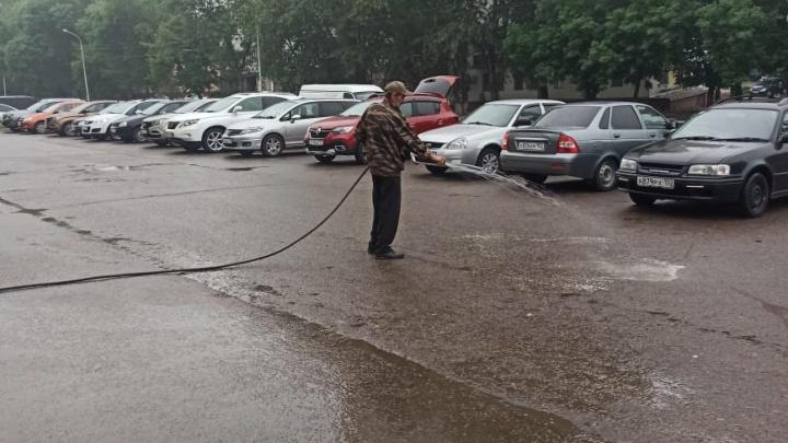 «Уфу теперь моют круглосуточно»: как засуетились жилищники после разноса Хабирова
