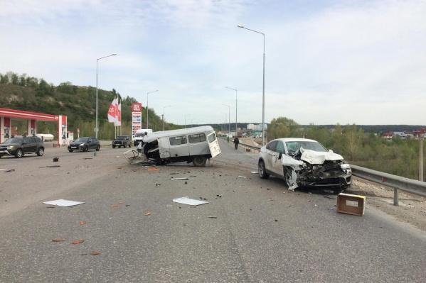 Водитель УАЗа погиб на месте
