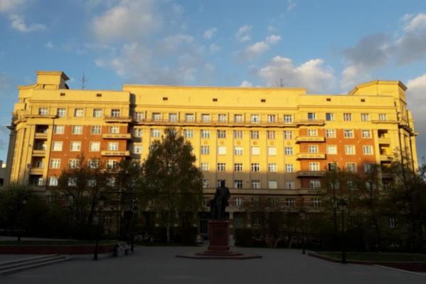 Почти весь ансамбль площади Свердлова создан архитектором Андреем Крячковым