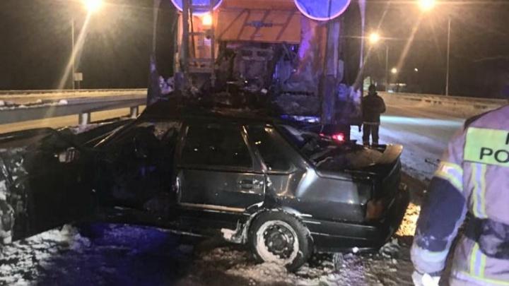 Под Уфой ВАЗ-2115 сбил насмерть водителя снегоуборщика