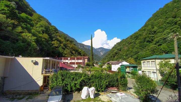 Отпуск в пандемию: правила въезда в Абхазию в 2021году