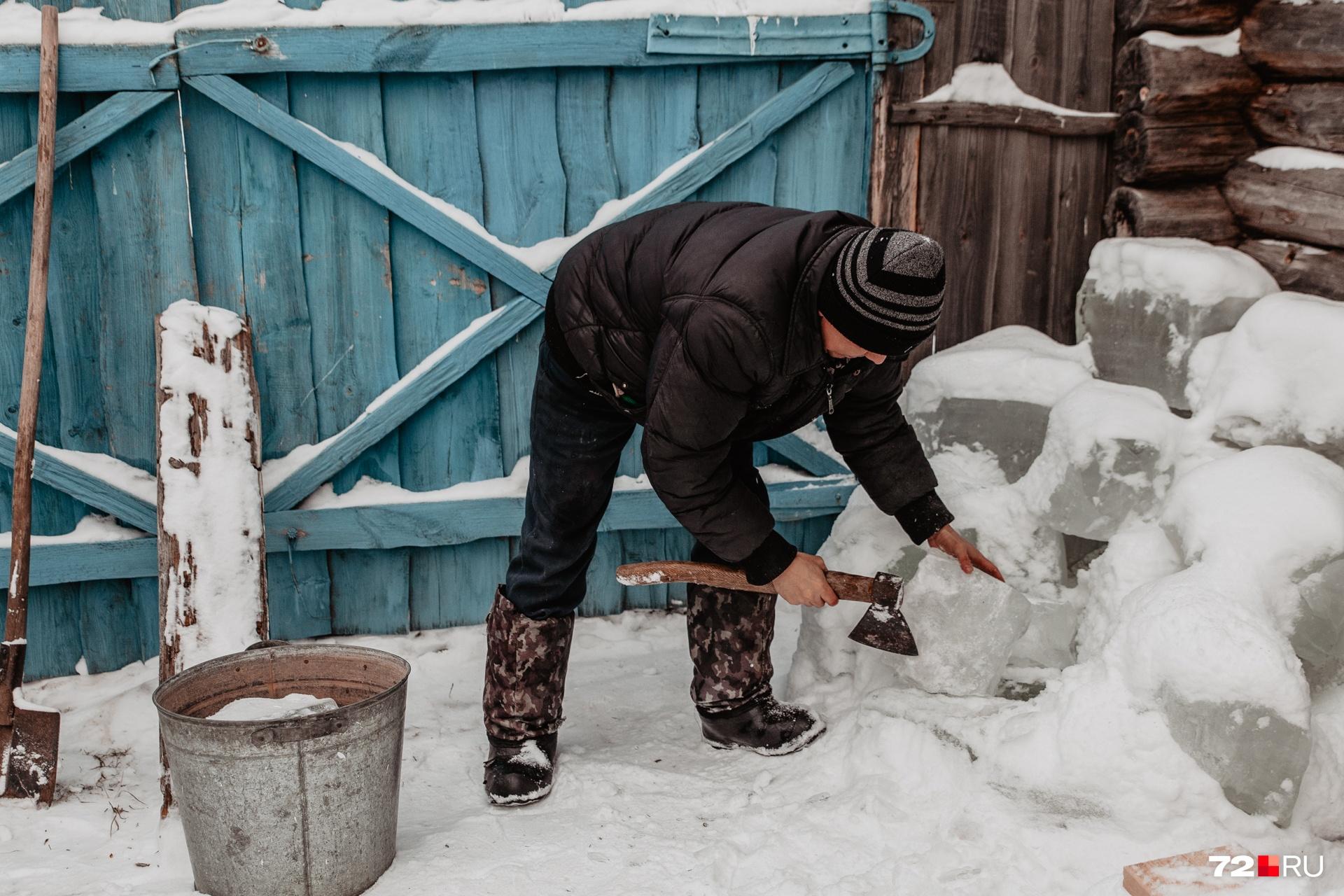 """Зульфат говорит, что цена такого льда составляет около <nobr class=""""_"""">500 рублей</nobr>&nbsp;"""