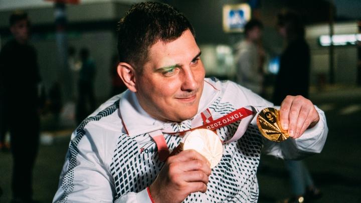 Омский паралимпиец получит за две золотые награды 14 миллионов