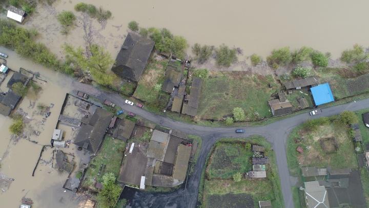 В Ермаковском районе из-за паводка ввели режим ЧС