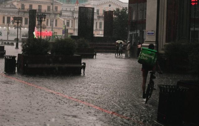 В мэрии Екатеринбурга заявили, что ливневки справились с дождями во время потопа