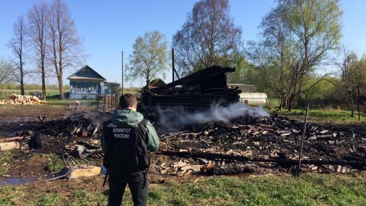 Грабители сожгли пенсионера в его доме. Скорая и пожарные не смогли приехать вовремя, застряв в грязи