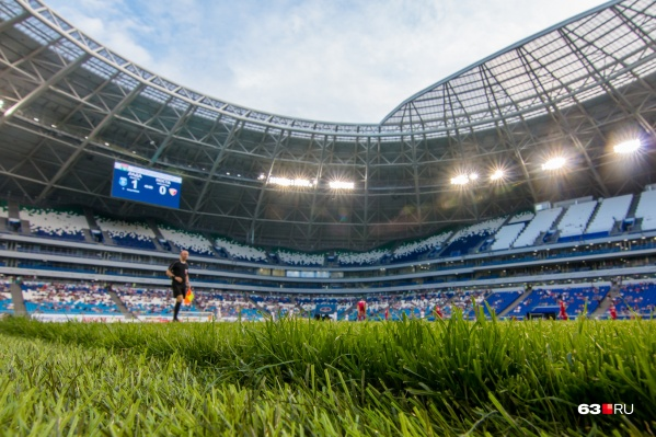 Сейчас на стадионе матчи по футболу проводят «Крылья Советов»