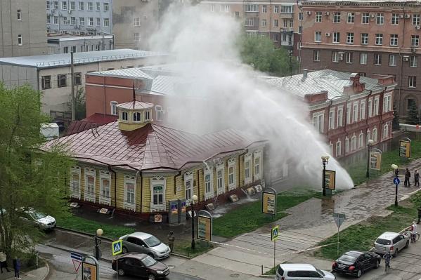 По словам сотрудников картинной галереи, здание не пострадало