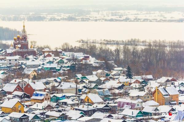 Поселок Запанской находится на берегу реки Самары, рядом с железнодорожным вокзалом