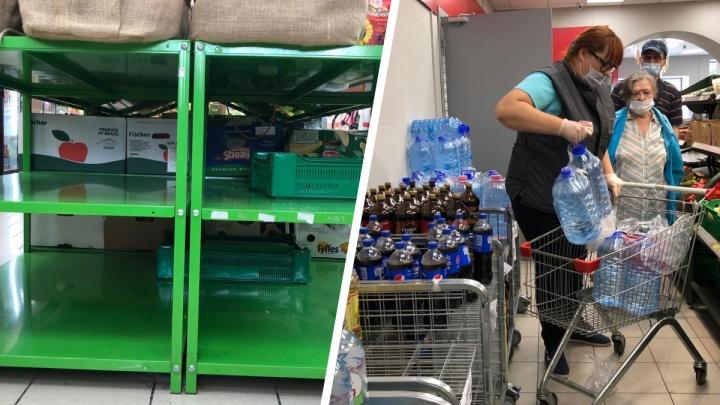 Тюменцы массово скупают в магазинах воду в бутылках