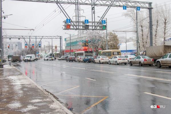 Пересечение Московского шоссе и Революционной входит в топ сложных перекрестков по версии ГИБДД