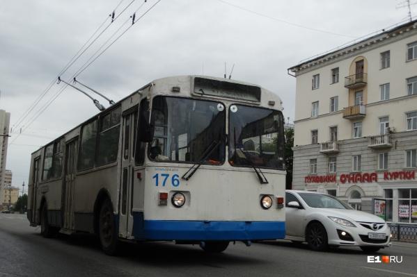 Этим летом энергетики уже обесточивали троллейбусы и трамваи