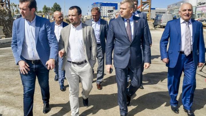 Алексей Дёмкин проверил ход реконструкции улицы Героев Хасана