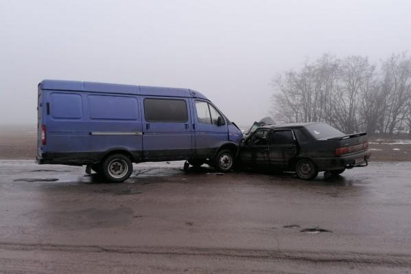Всего в аварии пострадали пять человек, один погиб