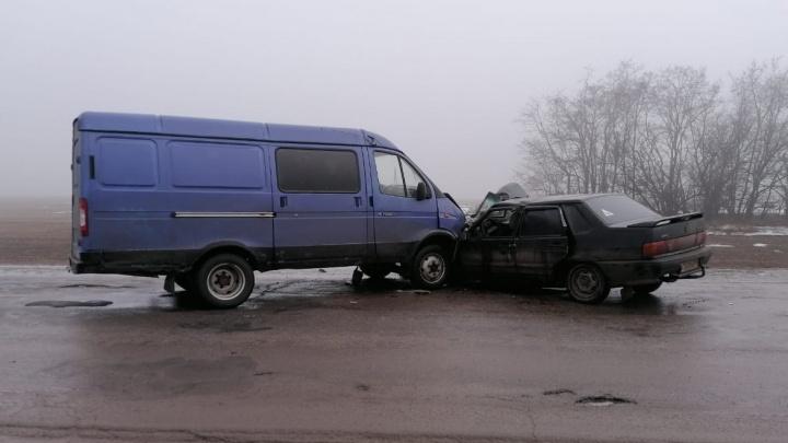 В Ростовской области легковушка врезалась в «Газель». Один погиб, пятеро пострадали