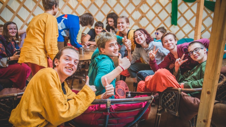 В рок-лагерь или фэнтези-кемпинг: куда отправить ребенка на лето