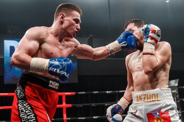 Одной из интриг турнира было противостояние киргизского боксера Акжола Сулайманбека Уулу, который уже несколько лет выступает за Екатеринбург, и нижнетагильца Никиты Кузнецова