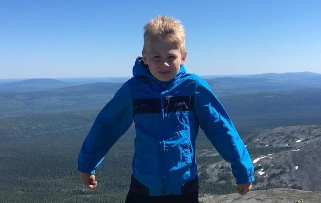 В горах под Североуральском нашли потерявшегося девятилетнего мальчика. За ним уже отправили вертолет