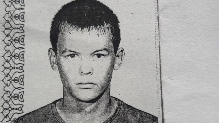 «Шел в шортах и ухмылялся». Уральский убийца, который должен сидеть в психушке, замечен на свободе